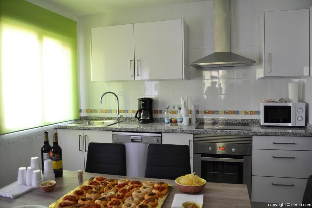 Cocina-de-la-casa-tutelada-por-APROSDECO